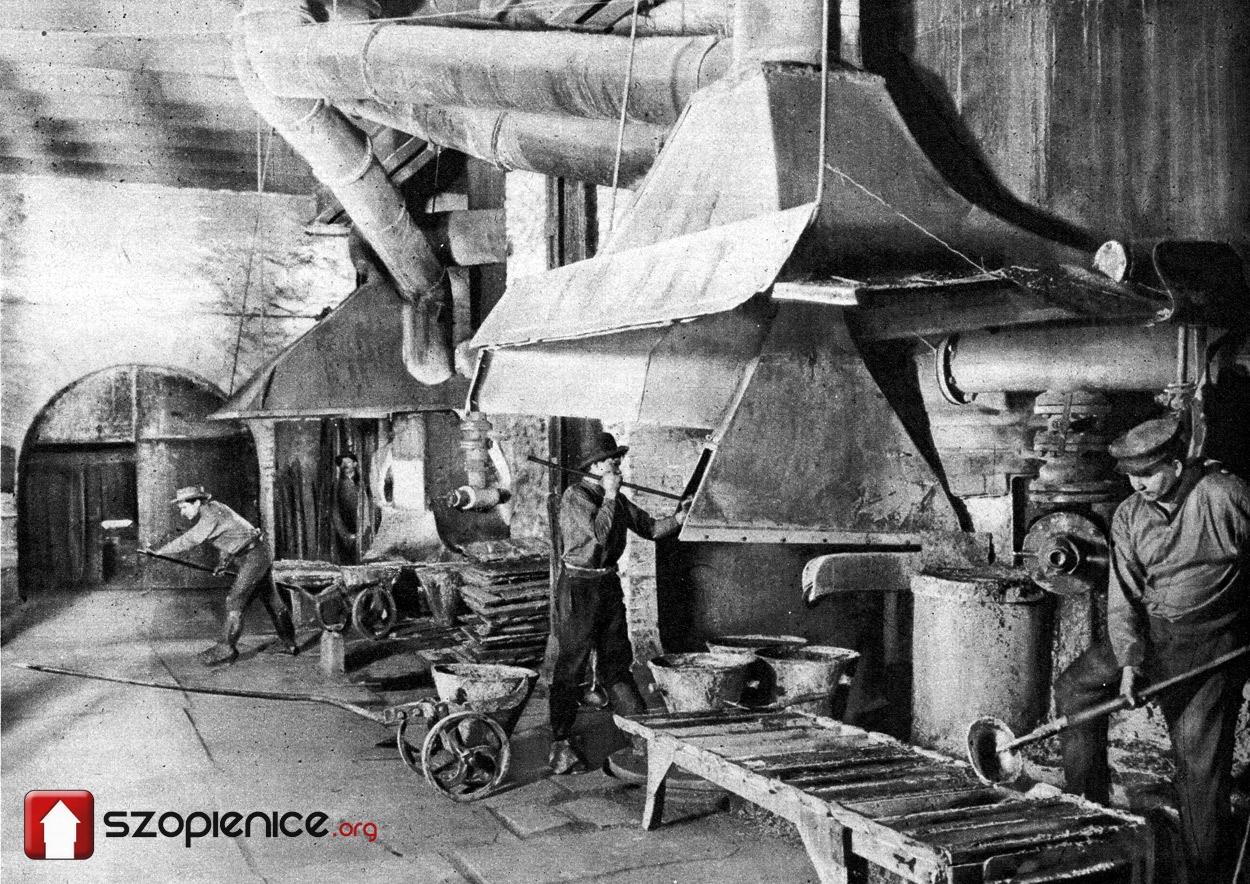 Praca przy piecu szybowym – fotografia z początku XX wieku